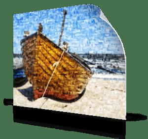 Fotomozaiek als poster met boot aan het strand